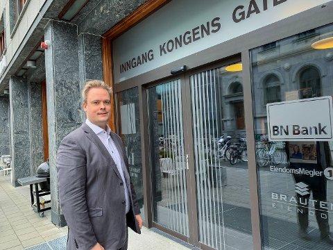 VIL HA ENDRINGER: Direktør Endre Jo Reite i BN Bank ser daglig eksempler på at norske lånekunder betaler det han mener er for høy rente. Nå krever han endringer som vil føre til lavere rentekostander for folk flest.  Foto: Stein Nervik