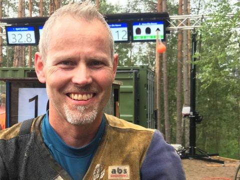 MED IGJEN: Roy Håkstad er klar for felthurtig-finalen på Landsskytterstevnet for 11. gang på 22 forsøk. Det betyr at 48-åringen kan bli historisk når finalerundene skytes på torsdag. Der jakter Håkstad sin femte seier.
