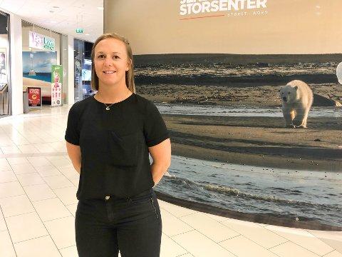 SATSER PÅ JEKTA: Kristin Bergheim fra Dovre er utdannet lærer og har en bachelor i ledelse, innovasjon og markedsføring fra UiT. Nå starter hun en kafé, midt i hjertet av Jekta.