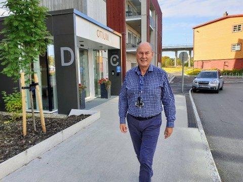 INGEN LEDIG PLASSER: Enhetsleder for Tromsøs største sykehjem, Jan-Erik Risvik, er bekymret for hva som blir løsninga når 62 beboere fra Kvaløysletta skal spres på byens sykehjem - som allerede er fulle.