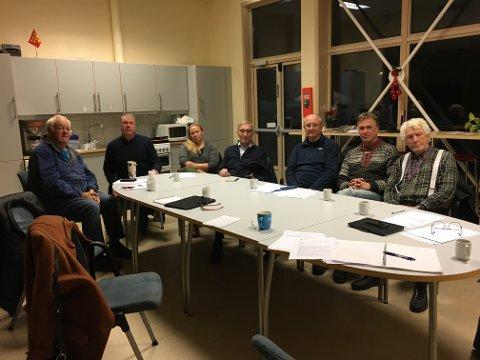 MØTTES: Forrige torsdag møttes beboere, grunneiere og representanter fra Kroken og Omegn bydelsråd til krisemøte om en ny innstilling til vedtak i formannskapet i Tromsø kommune tirsdag.
