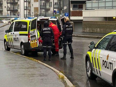 PÅGREPET: 48-åringen ble pågrepet ved leiligheten på Tomasjordnes, etter selv å ha ringt politiet.