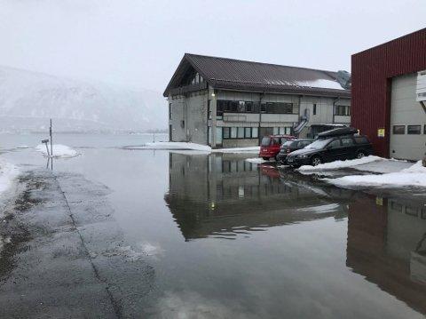 OVERSVØMT: Mandag var vannstanden i Tromsø 80 cm over normal. Tirsdag ventes lignende tilstander.