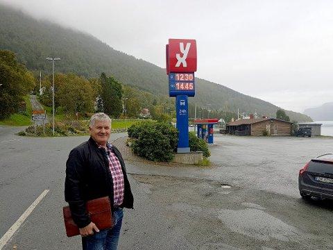 SATSER: Ola O.K. Giæver driver i dag Yx-stasjoner. Nå står han bak etableringen av bakeri og konditor på Lyngseidet.