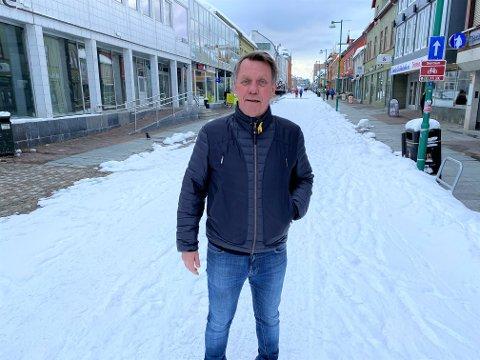 OPPRETTHOLDER KARANTENEREGLER: Gunnar Wilhelmsen sier Tromsø kommune vil gjøre en ny vurdering av lokale karanteneregler etter påske. Inntil videre må alle som kommer tilreisende fra sør i Norge i 14 dager karantene. Unntaket gjelder alle personer som er i samfunnskritiske funksjoner, og det kan også gjøres andre individuelle dispensasjoner.