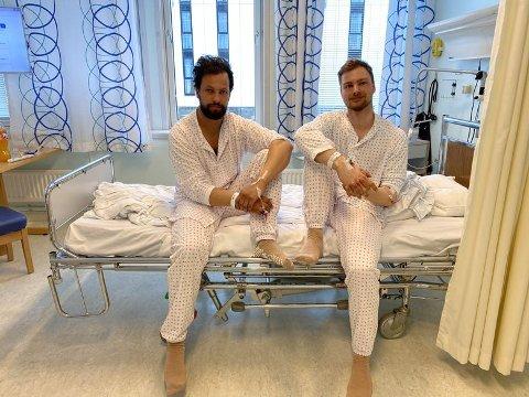 PÅ UNN: Da Nordlys snakket med Tor-Andreas Nilsen (25, tv) og Anders Jacobsen (26) torsdag kveld, var de fortsatt innlagt på UNN for observasjon.
