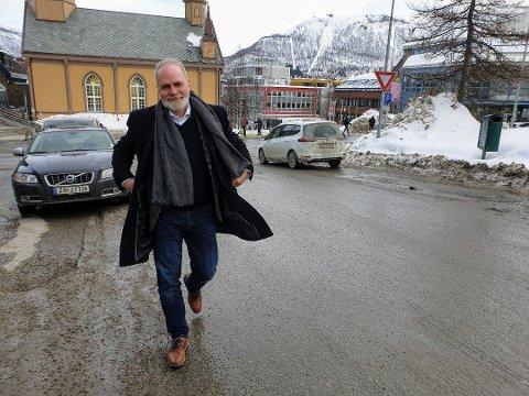 KRITISK: Hans Petter Kvaal (H) er leder i kontrollutvalget.