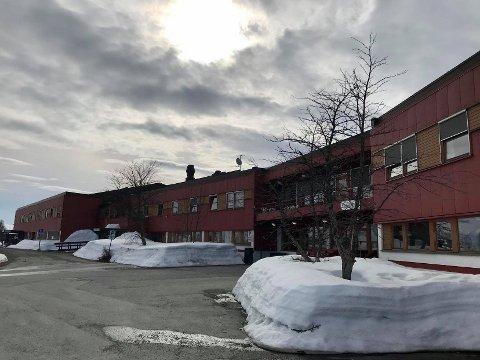 HOLDES I GANG: Kommunen vil opprettholde drifta av en avdeling ved Kvaløysletta sykehjem i alle fall ut året.