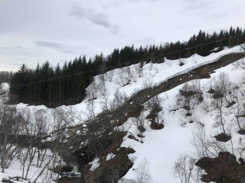 JORDRAS: Raset har gått cirka 300 meter fra bebyggelsen på Slettaelva og Kvaløysletta.