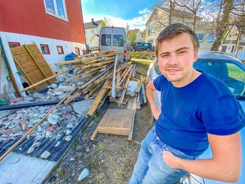 LIKE BLID: Øystein Kaino mistet førerkortet etter at han ble stoppet av politiet på Tromsøya onsdag ettermiddag: - Det var en tabbe, da nytter det ikke å gå rundt å være forbanna.