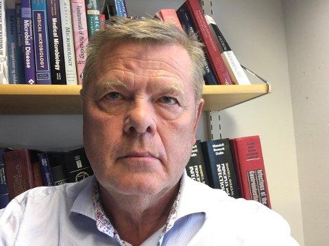 FUNGERER IKKE: Smitteekspert Ørjan Olsvik sier isolat på skip sjelden fungerer for å hindre smitte når den først er kommet om bord.