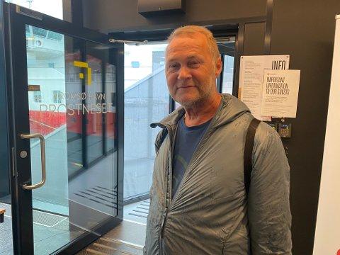 MINDRE TILLIT: – Tilliten er svekket ja, det er ingen tvil om det, sier passasjer Stig Nilsen idet han skal gå om bord i Hurtigrutens skip MS «Polarlys» tirsdag kveld.