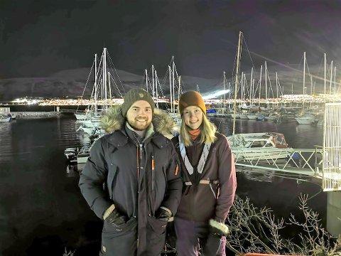 HJELPSOMME: Samboerne Ole Hansen Søraas og Marit Zachariassen Øien var og så til noen venners båt i Skattøra marina. Foto: Vetle Ravn Viken