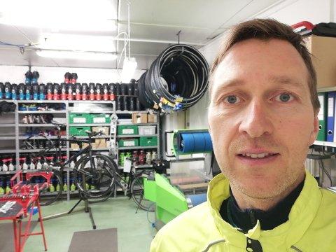 PERMITERT: Magne Aarbø har måttet perimitere seg selv og alle andre hos Tromsø outdoor.