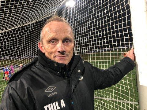 TILBAKE PÅ FELTET: Ettervirkningen merkes fortsatt på lunger og luktesans, men TUIL-trener Lars Pedersen er ute av isolasjon og tilbake på TUIL-treningene.