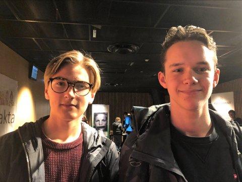 IKKE LETT Å SE: - Det er mange som sliter, selv om man ikke ser det, mener Kongsbakken-elevene Eivind Bertheussen (16) og Sigurd Lager Nedgård (15).