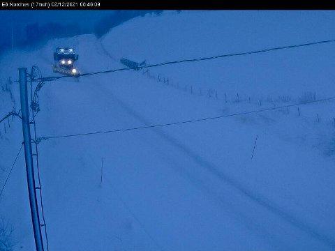 E6 gjennom Djupvik - veitrafikksentralen melder om vanskelige kjøreforhold.