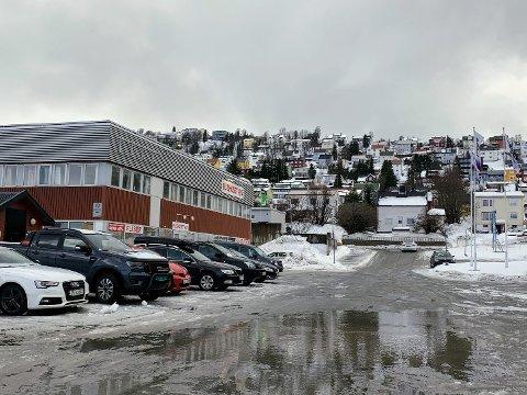 VANNMASSER: Nedbøren de siste dagene har ført til oversvømmelser flere steder i Tromsø.