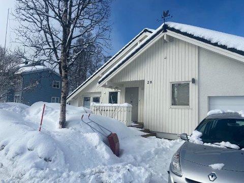 STRIDENS KJERNE: Dette er den omstridte boligen i Hagavegen, som partene møtes i retten over denne uken.