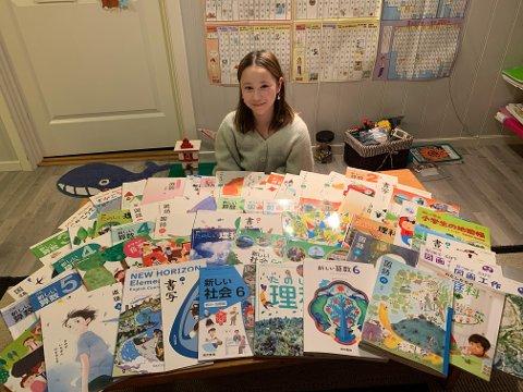 TO SKOLELØP: Ingeborg Johnsen (12) har fullført den japanske grunnskolen, samtidig som hun har gått på skole i Norge.