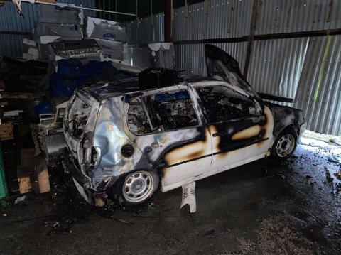Slik ser bilen ut etter brannen.