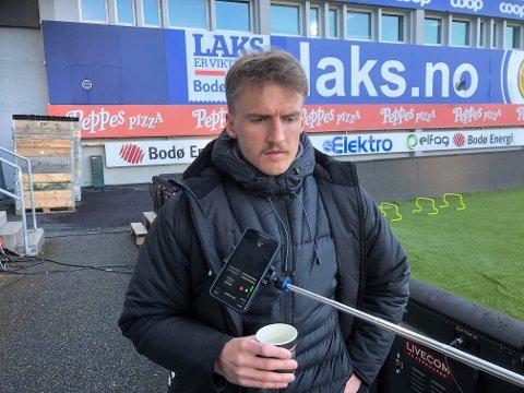 FRUSTRERT: Runar Espejord la ikke skjul på frustrasjonen sin etter han måtte forlate serieåpningen i Bodø med skade. Han var førstemann som møtte pressen like etter kampslutt.