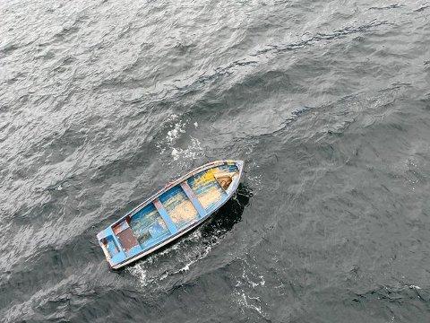 DRIVENDE: Det var denne båten som ble plukket opp drivende utenfor Rødbergodden.