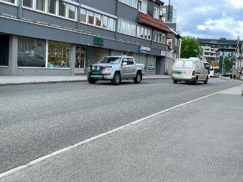 ULOVLIG: På tolv minutter kjørte tolv bilister ulovlig gjennom Skippergata i Tromsø.