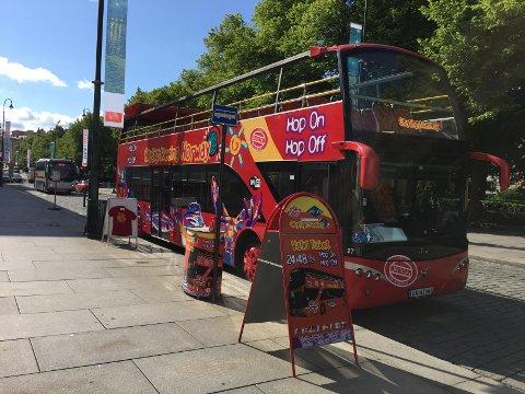 HOP ON HOP OFF: Det er en slik buss som kommer til Tromsø. De finnes allerede i mange store byer.