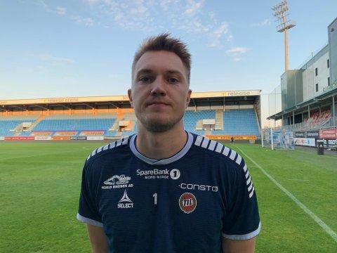 FØRSTE STRAFFEREDNING: Jacob Karlstrøm stoppet Sandefjords straffespark like før slutt. Det var hans første strafferedning i senior-karrieren.