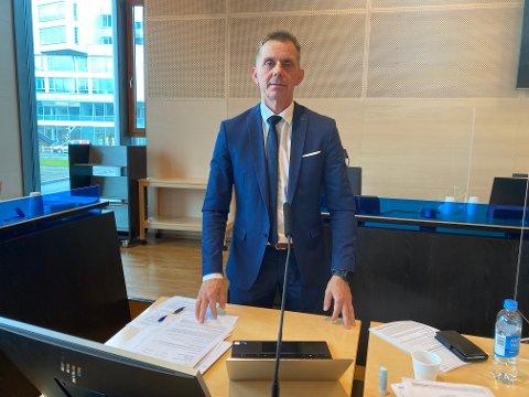 STRESSENDE: Tromsømannens forsvarer, Ken Olav Warth, forteller at det er stressende for mannen å redegjøre for forhold som er svært tabu i retten.