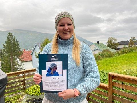 TUILLSJUR: Lene Blix Christensen (30) forteller om starten på det som skulle bli et lite strikke-eventyr.