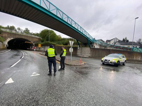 STENGT: Alle tunnelene ble stengt etter meldingen om røykutvikling. Her fra Breivika. Foto Tobias K. Henriksen