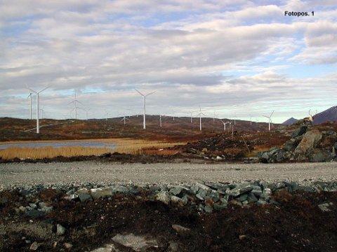 VINDMØLLE: Vindkraftverk på Raudfjell på Kvaløya utenfor Tromsø er vedtatt utbygd. Slik kan det bli seende ut.