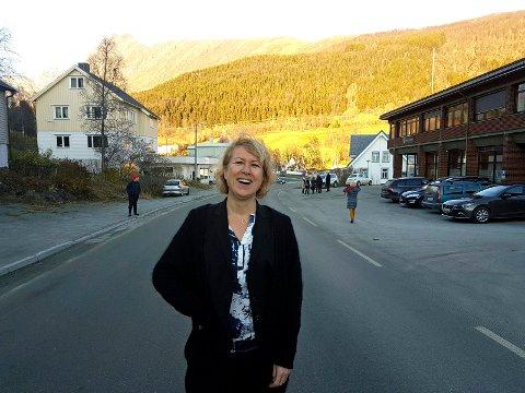 Jorunn Nyheim kommer fra jobben som markedssjef i Sparebanken Nord-Norge. Nå skal hun gjøre Lyngseidet mer salgbar.