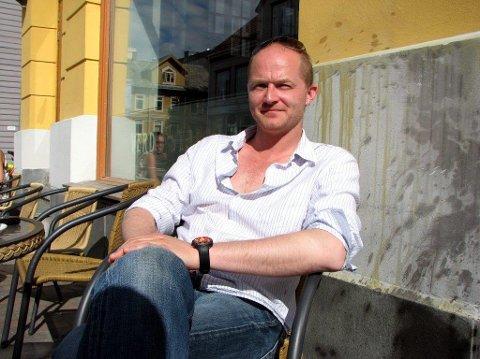 HAR EN PLAN: Styreleder og daglig leder Erling Falch på Verdensteatret Kafè og Bar as.