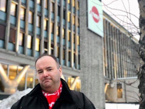 FESTNING: Alf Tore Aronsen opplever det fortvilet vanskelig å komme i kontakt med NAV.