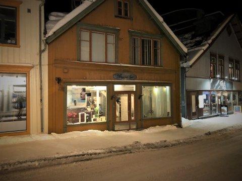 11 ÅR: I 11 år har Bryggen Spa holdt til i Sjøgata 27. Nå er bygget solgt. Bryggen Spa flytter og  skifter navn i desember. Foto: Are Medby
