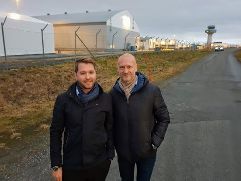 NY KONTRAKT INNGÅTT: Marius Hansen i Babcock sammen med Roger Solheim, tidligere statssekretær og politisk rådgiver - nå blant annet mediekontakt i Babcock.