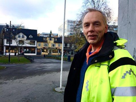 LEDER: Jos Kögeler er leder i fortidsminneforeningen. Her er han avbildet i forbindelse med planene for Kongsparken i 2016.