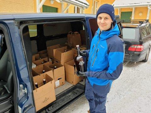 UTKJØRING:  Bryggerisjef Martin S. Amundsen i Graff Brygghus kjører øl til privatpersoner.