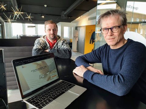 JUPITER-TOPPER: Daglig leder Kolbjørn Engeseth (foran) og produkteier Are Lundby Kvaal. Dette bildet er tatt i april i fjor.