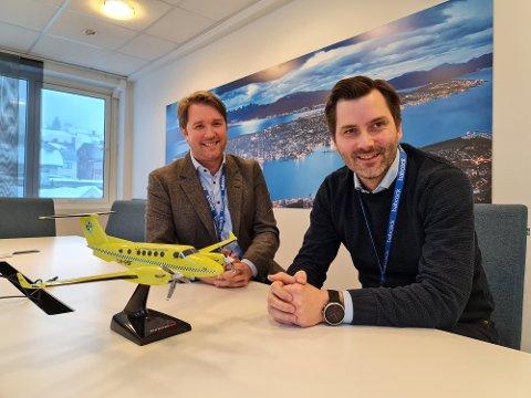 SMILER BREDT:  Marius Hansen og Ronny Repvik har god grunn til å smile etter å ha vunnet en ny kontrakt