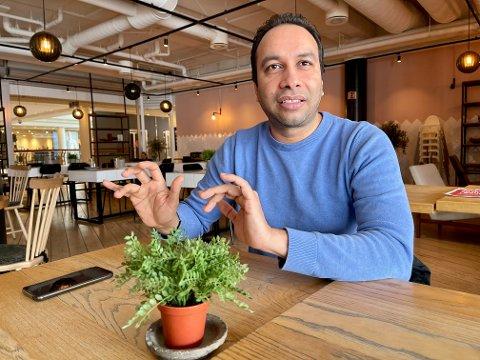 NY BEDRIFT: Bhupender Singh  Tawar kom til Tromsø fra India for å studere. Etter endt studie vil han starte omsorgsbedrift