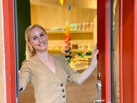 SAVN: - Jeg har savnet enn butikk med ordentlige leker som vi kan ta vare på. Ja, som ungene også kan ta vare på til sine barn, sier den nye butikkeieren Marlén Antonsen Sydow.