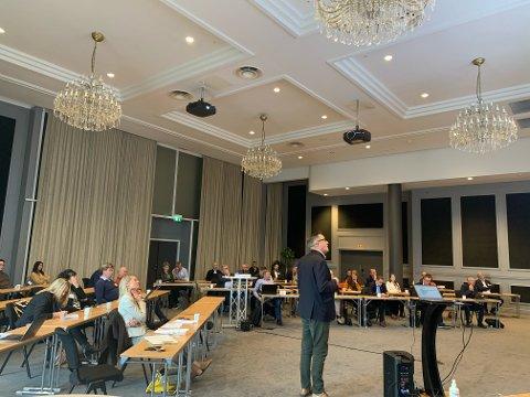 FORSPRANGKONFERANSEN: Næringsforeningen i Værnesregionen, her ved leder Jon Uthus, hadde blant annet gjennomgang av vel 70 medlemsbedrifter sine tilbakemeldinger om ståa per oktober 2020.