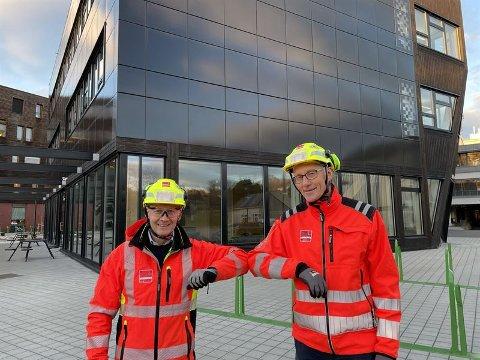 TAR OVER: Veidekke er en av Skandinavias største entreprenører.  Torgeir Wiig (til høyre) blir ny sjef i Trøndelag. Forgjenger Ståle Brovold til venstre.