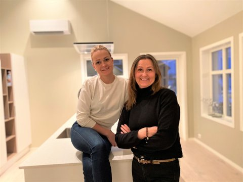 SATSER SAMMEN: Oppussingsboomen under korona er i ferd med å gjøre hobbyen til levebrød for Margit Strand og Eva K. Jørgensen Lyster.