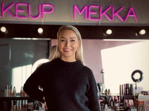 HAR JOBBET SEG OPP: Thea Hestad Kavli begynte å jobbe i kosmetikkbransjen under studiene. Hun forteller at det er noe helt annet å sitte på et kontor der alle beslutningene blir tatt i Norge og ikke København eller i Paris.