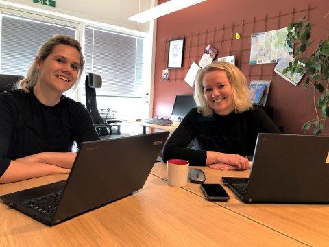 GODT ÅR: Amanda Sotberg og Ingrid Dahl Furunes i Verdal Næringsforum har hatt et godt år på tross av koronautfordringer.